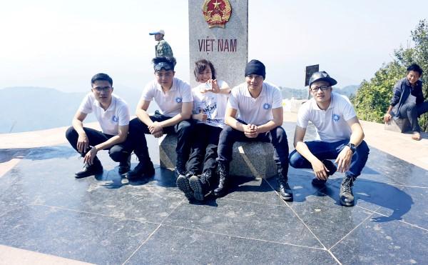 AVALO di phuot chinh phuc diem Dia Tay to quoc - APACHAI