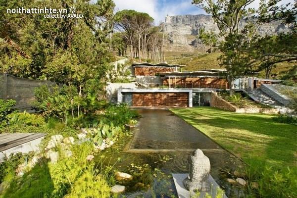 Biệt thự vườn đẹp trên sườn núi Victoria - Nam Phi