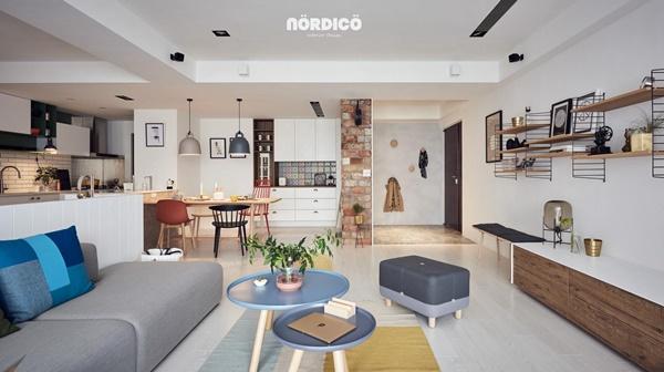 Không gian cởi mở của căn hộ đầy màu sắc