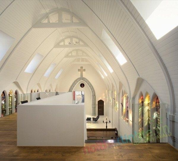 Không gian đẹp mang màu kiến trúc Gothic