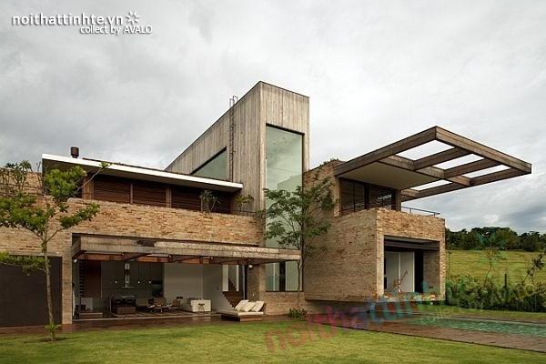 Mẫu nhà đẹp 2 tầng với mặt tiền không tưởng ở Quinta