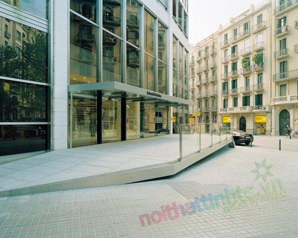 Thiet ke noi that sanh cho toa nha Banc Sabadell 05
