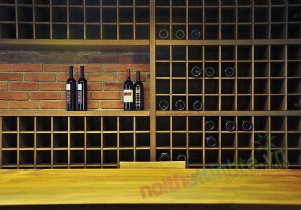 Hầm rượu vang trong nhà phố 03