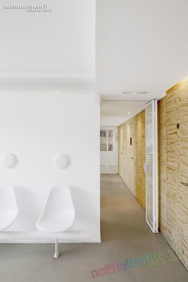 Thiết kế nội thất phòng khám nha khoa ở Torrelles 04