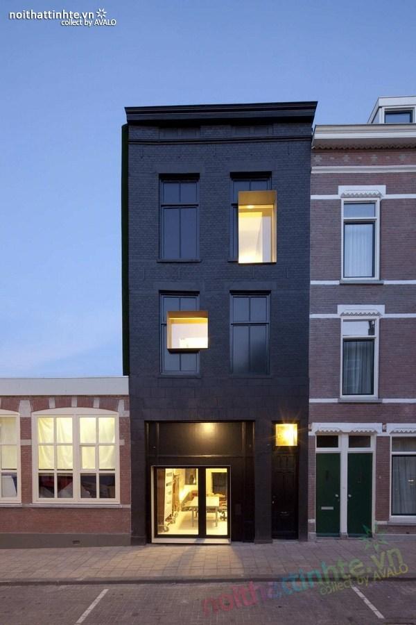 Mẫu nhà ống đẹp màu đen ở Hà Lan 01