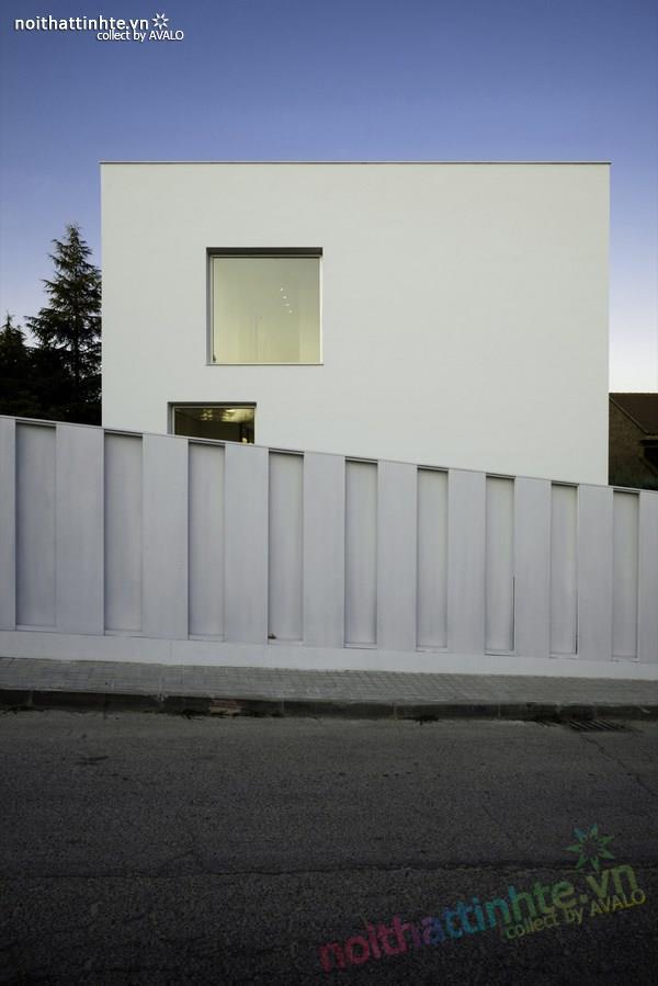 Nhà đẹp 2 tầng với không gian mở ở Tây Ban Nha 01