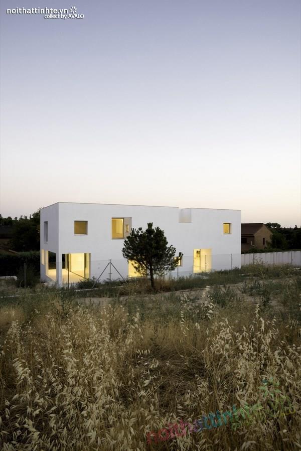 Nhà đẹp 2 tầng với không gian mở ở Tây Ban Nha 03
